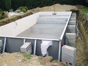 3_réalisation du profil de fond + installation systeme filtration