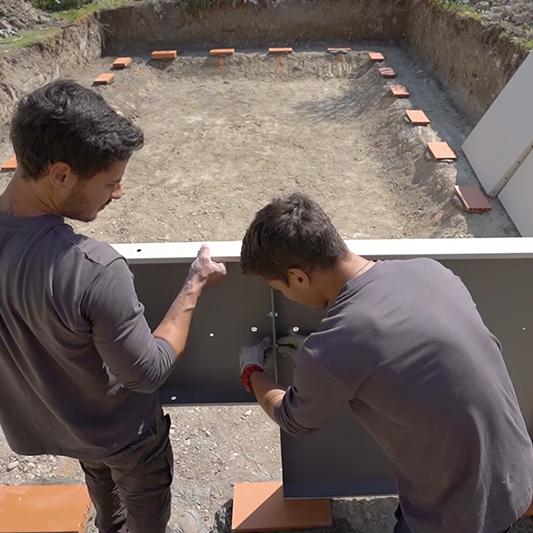 chantier piscine : installation des panneaux